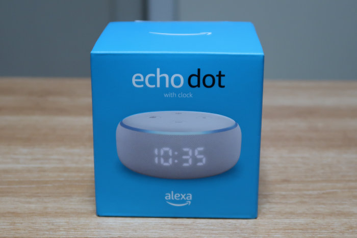 Echo Dot with clockの外箱